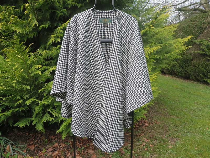 Poncho---Grey,-check
